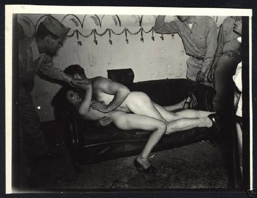 6tyiwstmgw1i - نوادي العراة والشرمطة ابان الحرب العالمية