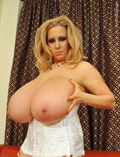 Abbi Secraa – Photo Collection Worlds biggest tits