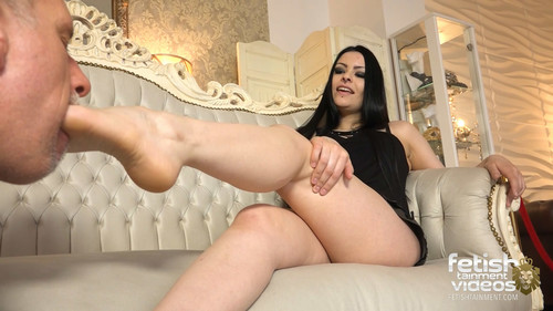 worship a gothic queens feet - FULL HD WMV
