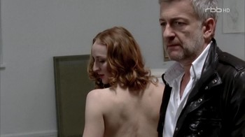 Naked Celebrities  - Scenes from Cinema - Mix - Page 4 839jwusu6rym