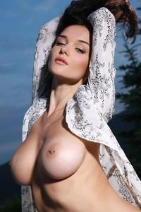 Eugenia-Diordiychuk-aka-Jenya-D.-aka-Katie-Fey-at-the-Pool-Ledge-y52dk6tupk.jpg