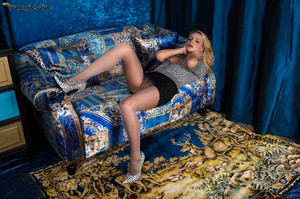 Vanessa Scott - Lace Topped Slinkster25oaduozbq.jpg