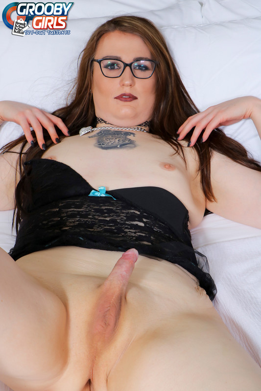 Molly Eubanks Cums! (27 March 2018)